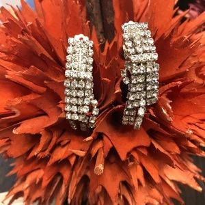 VINTAGE HANDMADE RHINESTONE CLIP ON EARRINGS
